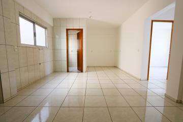Alugar Apartamento / Padrão em Toledo R$ 750,00 - Foto 11