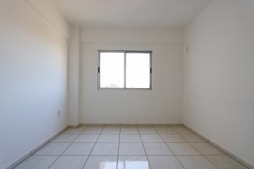 Alugar Apartamento / Padrão em Toledo R$ 750,00 - Foto 15