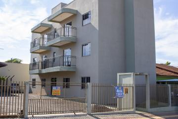 Alugar Apartamento / Padrão em Toledo R$ 680,00 - Foto 2