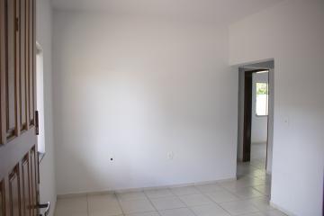 Alugar Apartamento / Padrão em Toledo R$ 680,00 - Foto 5
