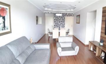 Apartamento / Padrão em Toledo , Comprar por R$450.000,00