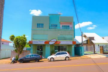 Apartamento / Padrão em Toledo Alugar por R$1.250,00