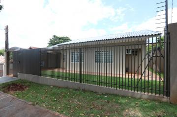 Casa / Padrão em Toledo Alugar por R$1.900,00