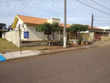 Casa / Padrão em Toledo Alugar por R$1.450,00