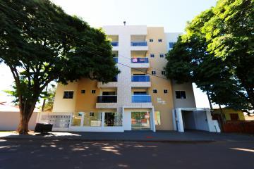 Apartamento / Padrão em Toledo , Comprar por R$360.000,00