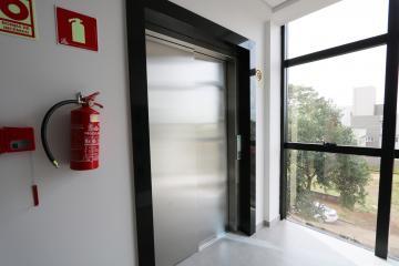 Alugar Comercial / Sala em Condomínio em Toledo R$ 2.500,00 - Foto 6