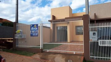 Casa / Padrão em Toledo Alugar por R$950,00