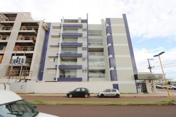Apartamento / Padrão em Toledo , Comprar por R$410.000,00
