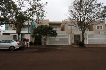 Casa / Sobrado em Toledo Alugar por R$1.700,00