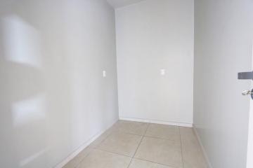 Alugar Apartamento / Padrão em Toledo R$ 1.950,00 - Foto 15