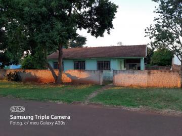 Alugar Casa / Padrão em Ouro Verde do Oeste. apenas R$ 248.000,00
