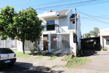 Casa / Sobrado em Toledo Alugar por R$2.500,00