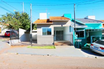 Casa / Padrão em Toledo Alugar por R$700,00