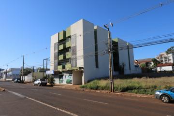 Alugar Apartamento / Padrão em Toledo R$ 990,00 - Foto 2