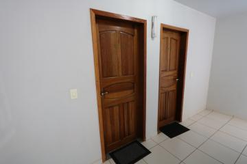 Alugar Apartamento / Padrão em Toledo R$ 990,00 - Foto 11