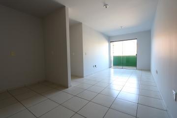 Alugar Apartamento / Padrão em Toledo R$ 990,00 - Foto 12