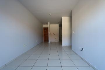 Alugar Apartamento / Padrão em Toledo R$ 990,00 - Foto 13