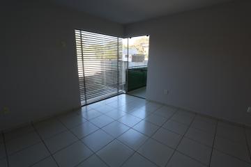 Alugar Apartamento / Padrão em Toledo R$ 990,00 - Foto 20