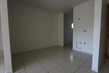 Alugar Apartamento / Padrão em Toledo R$ 990,00 - Foto 28