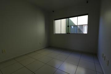 Alugar Apartamento / Padrão em Toledo R$ 990,00 - Foto 37