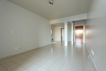 Alugar Apartamento / Padrão em Toledo R$ 1.000,00 - Foto 8