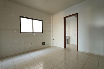 Alugar Apartamento / Padrão em Toledo R$ 1.000,00 - Foto 9