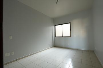 Alugar Apartamento / Padrão em Toledo R$ 1.000,00 - Foto 16