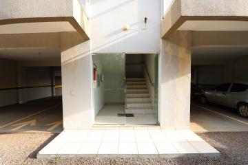 Alugar Apartamento / Padrão em Toledo R$ 950,00 - Foto 4