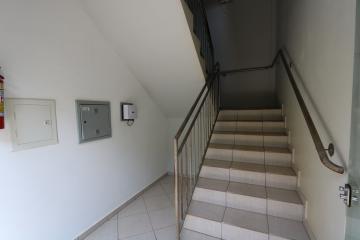 Alugar Apartamento / Padrão em Toledo R$ 950,00 - Foto 8