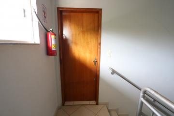 Alugar Apartamento / Padrão em Toledo R$ 950,00 - Foto 9