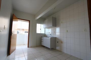Alugar Apartamento / Padrão em Toledo R$ 950,00 - Foto 14