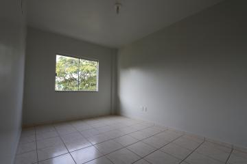 Alugar Apartamento / Padrão em Toledo R$ 950,00 - Foto 22