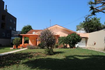 Toledo Centro Casa Locacao R$ 4.300,00 4 Dormitorios 5 Vagas Area do terreno 800.00m2 Area construida 297.62m2