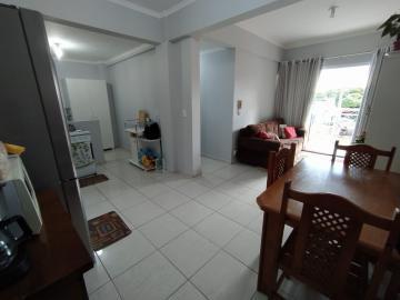 Alugar Apartamento / Padrão em Toledo. apenas R$ 215.000,00