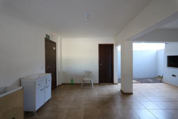 Alugar Apartamento / Padrão em Toledo R$ 1.100,00 - Foto 17