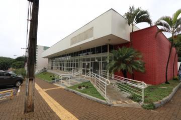 Toledo Centro Comercial Locacao R$ 28.500,00  Area do terreno 1200.00m2 Area construida 625.42m2